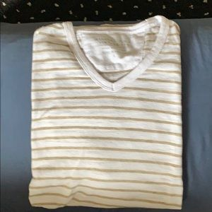 Men's Banana Republic tee
